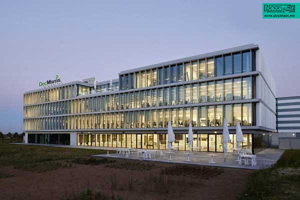 بزرگترین دفتر مرکزی داروخانه ی آنلاین در اروپا